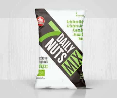 7-daily-nuts-packaging-preview-01